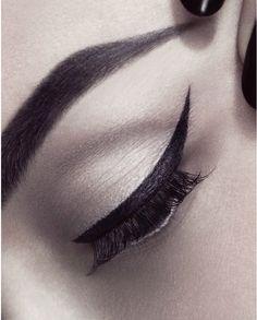 Makeup Artist - Riku Campo