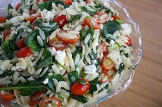 Orzo Salad with Spinach, Tomato, Feta. (Festive red and green side dish for Christmas!)