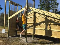Outdoor Gym, Outdoor Workouts, Outdoor Fitness Equipment, No Equipment Workout, Ninja Warrior Course, Obstacle Courses, Personal Gym, Outdoor Buildings, Backyard Playground