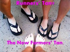 Humor Running Humor Runners Tan The new farmers tanRunning Humor Runners Tan The new farmers tan Running Humor, Running Workouts, Running Tips, Running Quotes, Funny Running, Sport Quotes, Running Shorts, Course À Obstacles, Jogging