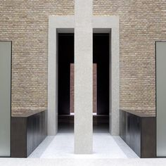 David Chipperfield Architects and Julian Harrap Architects have completed the renovation of the Neues Museum in Berlin, Germany. Brick Architecture, Architecture Details, Interior Architecture, Brick Interior, Science Gallery, David Chipperfield Architects, Berlin Museum, Famous Architects, Brick And Stone