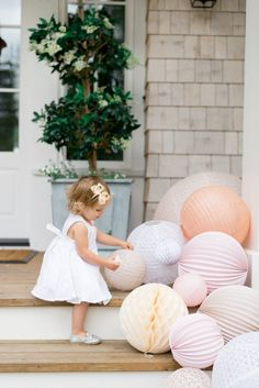 Garden decoration wedding paper lanterns 70 ideas for 2019 Garden Lighting Wedding, Garden Party Wedding, Bridal Shower Decorations, Paper Decorations, Wedding Decorations, Wedding Ideas, Stone Raised Beds, Garden Front Of House, Baby Dedication