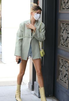 Beverly Hills, Daily Fashion, Spring Fashion, Hailey Baldwin Style, New Wardrobe, Celebrity Style, Celebs, Celebrities, Cute Outfits