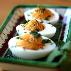 sriracha devilled eggs