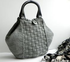colorful bags for summer Handmade Handbags, Vintage Handbags, Handmade Bags, Crochet Handbags, Crochet Purses, Crochet Bags, Knitted Bags, Cloth Bags, Bag Making