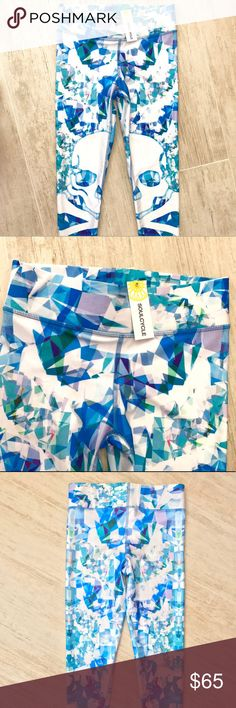 *NEW WITH TAG* Soul Cycle Terez Leggings M Brand new with tags, purchased at Soul Cycle in NYC!  Love the beautiful colors, these leggings will make anyone want to head to the gym and workout!   Terez brand, size medium. soulcycle Pants Leggings
