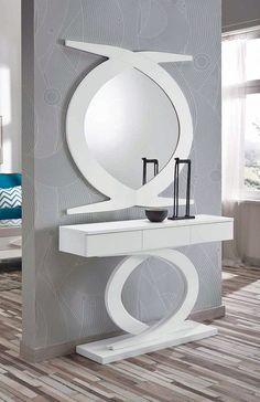 CASANOVA es la tienda de muebles donde comprar recibidores para la decoración de tu hogar: recibidor con marco y consola, con espejo, con cómoda...
