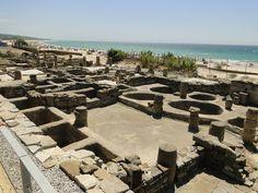 Baelo Claudia ciudad romana en Bolonia (Cádiz)  Fábrica de garum frente a la playa de Bolonia