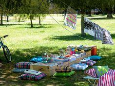 birthdays, food, picnics, blankets, wooden crates, pillows, summer days, parti, birthday ideas