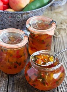 Peach and Pepper Jam Sweet peaches pair with red and jalapeno peppers, to make a jam that is both sweet and spicy, delicious and versatile. Peach and Pepper Jam Pepper Jelly Recipes, Hot Pepper Jelly, Canning Pepper Jelly, Bell Pepper, Jam Recipes, Canning Recipes, Habanero Recipes, Canning Tips, Chutney Recipes