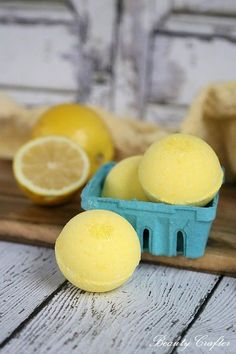 This refreshing lemon bath bombs recipe can bring the lemonade stand right to yo., Diy And Crafts, This refreshing lemon bath bombs recipe can bring the lemonade stand right to your bath! The fresh scent of lemon is not only invigorating, but evokes. Bath Boms Diy, Bombe Recipe, Bath Bomb Recipes, Soap Recipes, Bath Fizzies, Bath Salts, Mason Jar Lighting, Diy Home Decor Projects, Mason Jar Diy