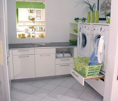 Buanderie Häcker-Musterküche: cuisine d& à Grimma / Sachsen . Laundry Room Design, Laundry In Bathroom, Küchen Design, House Design, Interior Design, Kitchen Storage, Home And Living, Room Inspiration, Living Room Designs