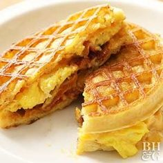 Breakfast Grilled Cheese- Start your day with a breakfast sandwich that combines all of your morning meal favorites, including buttery waffles, scrambled eggs, crispy bacon, and melted cheese. What's For Breakfast, Breakfast Dishes, Breakfast Recipes, English Muffin Breakfast, Dinner Recipes, Vegan Breakfast, 21 Day Fix, Waffle Sandwich, Waffle Breakfast Sandwiches