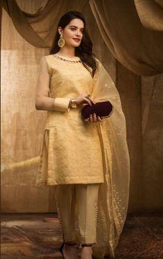 Beautiful Pakistani Dresses, Pakistani Dresses Casual, Pakistani Dress Design, Beautiful Dresses, Casual Dresses, Dresses Dresses, Shadi Dresses, Casual Wear, Dress Outfits