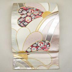 Pink silver, silk fukuro obi / 金銀をたっぷり用いた古典柄が上品な華やかさの袋帯 http://www.rakuten.co.jp/aiyama #Kimono #Japan #aiyamamotoya