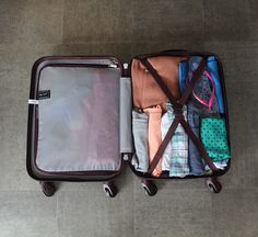 This holiday packing list contains everything you'll need for 2 weeks in Europe, and it all fits in a hand luggage bag! Holiday Packing Lists, Packing For Europe, Holiday Checklist, Hand Luggage Bag, Luggage Bags, Black And White Tree, Backpacking Europe, What To Pack, Travel Bags