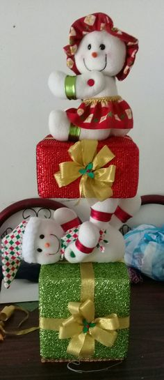 Cute Snowman, Christmas Snowman, Christmas Holidays, Christmas Crafts, Christmas Ornaments, Felt Christmas Decorations, Holiday Decor, Festival Decorations, Vintage Christmas