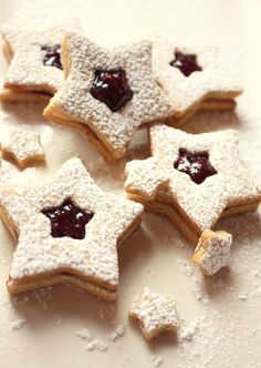 Linzer cookies.  Easy to make the cookies ahead of time, freeze and prepare the day of.