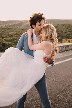 Forehead kisses for this American couple enjoying their elopement day in Provence Boho Wedding Gown, Single Red Rose, Provence Wedding, Forehead Kisses, Blonde Curls, Beautiful Film, Destination Wedding Planner, Bride, Couple Photos