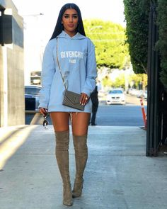 Your Ultimate Guide To Fall's Street Style Looks 2018 Thigh High Boots Outfit, Fashion Killa, Girl Fashion, Fashion Outfits, Womens Fashion, Fall Outfits, Casual Outfits, Cute Outfits, Sweatshirts