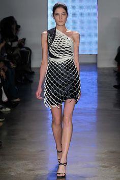 Dion Lee Fall 2015 Ready-to-Wear Fashion Show - Liene Podina