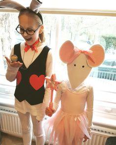 Quick and easy costume ideas for kids - Slade living Last Minute Costumes, Easy Costumes, Costume Ideas, White Rabbit Costumes, Oversized White T Shirt, Pom Pom Tutorial, World Book Day Costumes, How To Make Tutu, Black Tutu