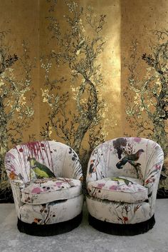 Golden Oriole wallpaper panels - Timorous Beasties fabric and wallpaperOh my GOD this wallpaper. To make a hybrid lake house/glam palace? Timorous Beasties is KILLING IT.Living Room Inspiration - those stunning chairs with Timorous Beasties upholsteryBode Easy Home Decor, Home Decor Trends, Cheap Home Decor, Decor Ideas, Wallpaper Panels, Of Wallpaper, Gold Wallpaper Living Room, Trendy Wallpaper, Fabric Wallpaper