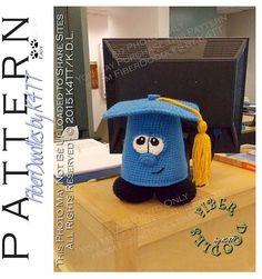 INSTANT DOWNLOAD : Greg the Graduation Cap Crochet Pattern