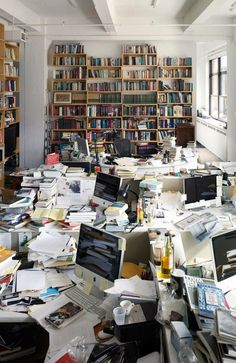 Creativity or Organized Chaos? Messy Desk, Messy Room, Workspace Design, Home Office Design, Writers Desk, Home Libraries, Office Setup, Study Inspiration, Creative Home