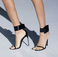 Gucci  2013... sweet shoes...