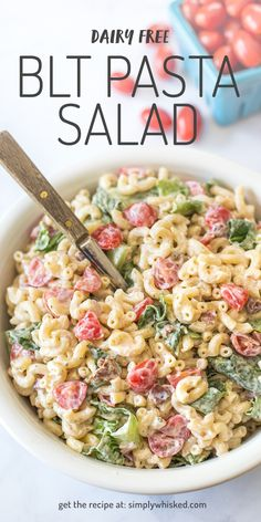 This dairy free BLT pasta salad features elbow macaroni, fresh tomatoes, crispy lettuce and savory bacon tossed in a creamy, flavorful dressing. Potluck Dishes, Potluck Recipes, Side Dish Recipes, Pasta Dishes, Pasta Recipes, Appetizer Recipes, Salad Recipes, Creamy Pasta Salads, Blt Pasta Salads