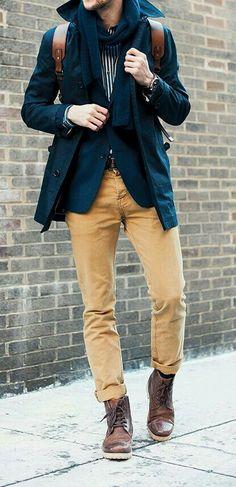 Como está em alta os anos 70, o laranja e o amarelo mostarda são ótimas cores para serem usadas. Este look de calça amarela mostarda ficou perfeita com o blazer e o casaco azuis. A sobreposição do blazer com o casaco ficou bem moderno e o mais importante, é que esquenta bastante. Beijos!  . ✨✨✨✨✨✨✨✨✨✨✨✨✨ . As it is in the high 70s, orange and yellow mustard are great colors to use. This mustard yellow pants look was perfect with the blazer and blue coat. The overlap of the blazer with the…