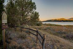 6 Easy-to-Reach Big Bear Hiking Trails Big Bear Hiking, San Bernardino Mountains, Getaway Cabins, Big Bear Lake, Green Valley, North Shore, Hiking Trails, Country Roads, Vacation