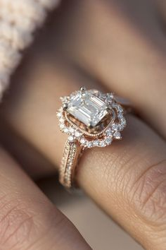 Halo Vintage Engagement Ring in 18K Rose Gold #vintagerings #weddingring. This with an Emerald would be #engagementrings