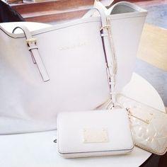 Website For Discount Michael Kors Handbags! Super Cute! Check It Out!