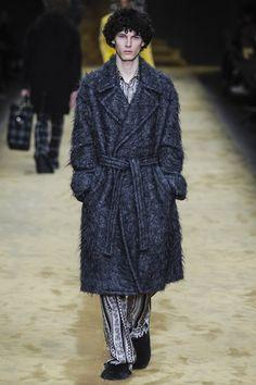 Milan fashion week  Fendi winter- autumn collection  Men - menswear - fashion - trends - runway - Lfw - Nyfw - style - homme - couture - moda - masculina - men's - fashionista - trending - black - white - shoes - coat - pants - blue - furry - suit - pijama - grey