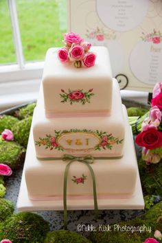 Wedding cakes - oooh yummy! | Nikki Kirk Photography