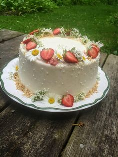 Pretty Birthday Cakes, Pretty Cakes, Cake Birthday, Birthday Cake With Flowers, Birthday Cake Decorating, Cute Food, Yummy Food, Frog Cakes, Pastel Cakes