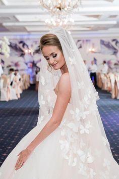 Rochie de mireasa stil printesa, culoare blush Wedding Dresses, Fashion, Bride Dresses, Moda, Bridal Gowns, Fashion Styles, Weeding Dresses, Wedding Dressses, Bridal Dresses