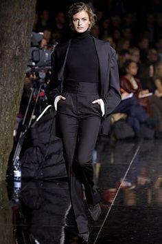 Dolce & Gabbana Fall 2003 Ready-to-Wear Fashion Show - Jacquetta Wheeler