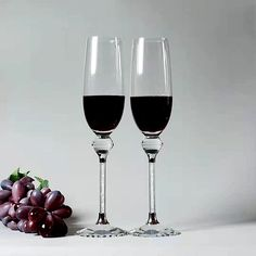 Factory Wholesale Latest Design Can Be Customized Crystal Diamond Champagne Red Wine Glass - Buy Diamond Champagne Glass,Wine Glass,Goblet Product on Alibaba.com Crystal Pen, Crystal Diamond, Crystal Gifts, Nice Gifts, Best Gifts, Best Trade, Glass Material, Crystal Wedding, Red Wine