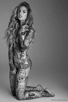 Girls with Tattoos #redbell.eu