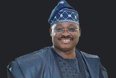 FOW 24 NEWS: Ajimobi Condems Violence At Olubadan's Palace