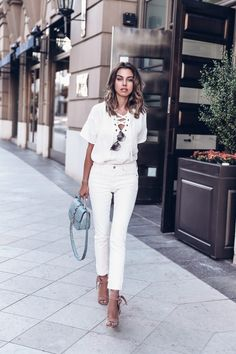 Casual summer white outfit + best fitting white jeans