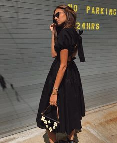 This Cecilie Bahnsen silhouette was all over New York during Spring 2020 Fashion Week. Seen on Danielle Bernstein and Aylin Koenig, among other influencers. Danielle Bernstein, Street Style Blog, Copenhagen Fashion Week, International Fashion, Fall Dresses, Cardigans For Women, Instagram Fashion, Autumn Fashion, Vuitton Bag