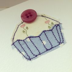 Handmade cards by Leah Oldridge. Freehand Machine Embroidery, Sewing Machine Embroidery, Free Motion Embroidery, Fabric Postcards, Fabric Cards, Embroidery Cards, Embroidery Applique, Handmade Birthday Cards, Handmade Cards