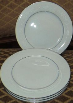 Noritake Whitehall .....we had to pick out china patterns. This is mine.  Why....?.I never use it.