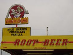Oh, how well I remember their shakes! And the root beer - missed Dog n Suds when they closed it  - in Zion, IL  bfcf0cf04cc432d3490a916f9ee54f83.jpg 640×480 pixels