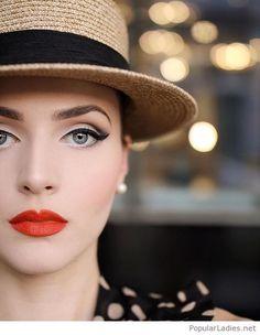 Retro Makeup Retro makeup, nice look - Popular Ladies Vintage Eye Makeup, 1940s Makeup, Retro Makeup, Makeup Geek, Makeup Tips, Rockabilly Makeup, Makeup Ideas, Kiss Makeup, Love Makeup