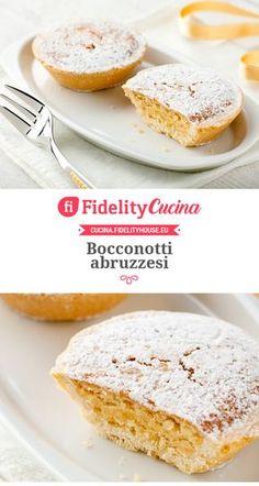 Bocconotti abruzzesi Italian Cookie Recipes, Italian Cookies, Pear Recipes, Sweets Recipes, Biscotti Biscuits, Croissant Recipe, Italian Pastries, Italian Cake, Sweet Pie